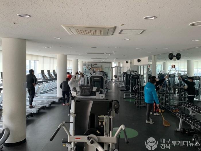 성주군사진(국민체육센터 헬스장 청소 및 소독).jpg